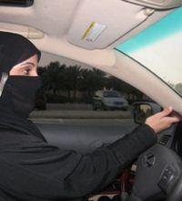 Arabistan'da Kadınların Sesi Sosyal Medya Oldu