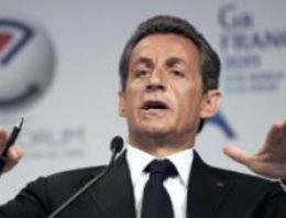 Fransız TV'sinde 'Facebook, Twitter' Demek Yasak
