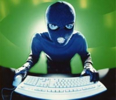 Hacker'dan Korkma, Eşinden Kork