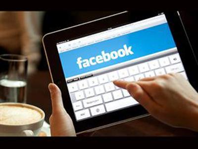 Facebook'a 54, Yemeğe 30 Dakika Ayırıyorlar!
