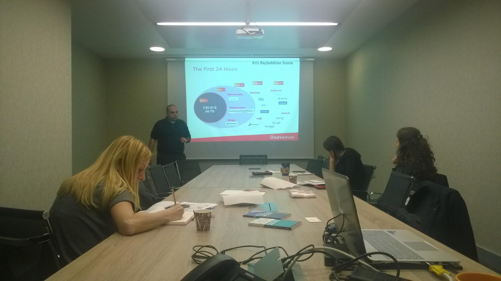 MarkeFront – Sosyal Medyada Kriz Yönetimi Eğitimi 28 Şubat'ta Yapıldı